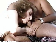 Hairy 70s MILF getting her muff aired