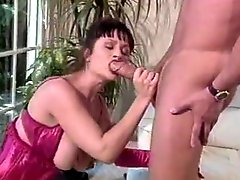 Retro Babe Gives A Fine Blowjob
