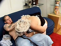 Horny granny invites the pizza boy to take care of her sexual urges