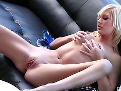 White haired babe Hayden Hawkens touches her pink