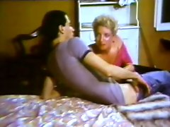 Retro Blonde MILF Gives Blowjob Until Getting her Mouth Filled With Hot Cum