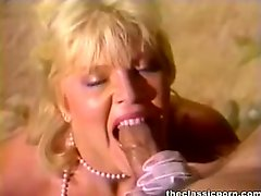 Blonde teaser skillful blowjob
