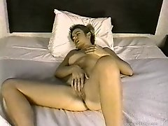 Randy retro slut enjoys fingering in her pussy in hot solo masturbation