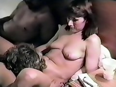 Dee & Friends' Retro Hotel Orgy
