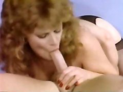 Hefty figured bosomy lesbo Lisa De Leeuw puts on strapon and mouth fucks her lesbo kookies